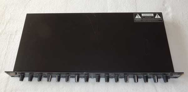 DBX 1066 Dual Channel Compressor / Limiter / Gate