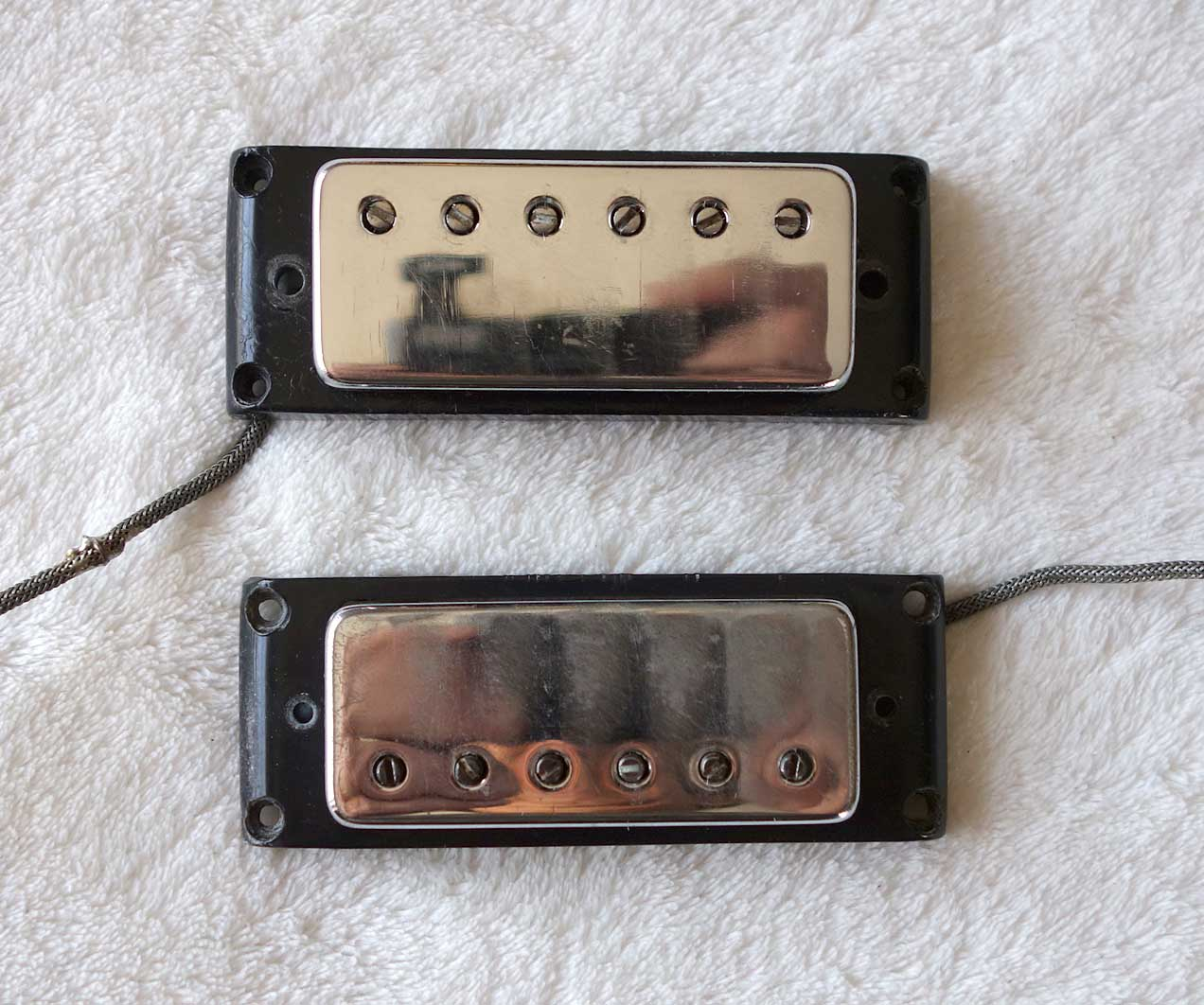 Vintage 1970 Gibson Mini HB Set W/2x Black Surrounds, Screws, Springs + Patent Number Sticker