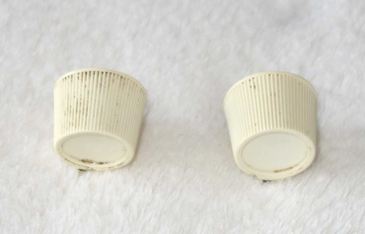 Vintage Gibson 1966 2x White Knobs Set For Kalamazoo KG-1 & KG-2 Guitars